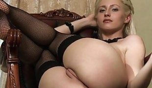 Young Janelle spreading in stockings