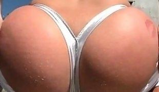 Sexy Karmen Karma bounces her big booty
